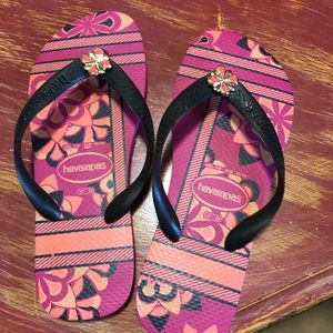 Havaianas Black and Pink, Size 8, Never Worn